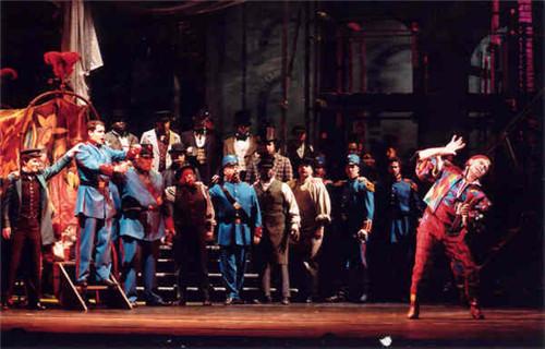 音乐节冰岛小王子展现音乐超脱空间 歌剧《浮士德》重现法式大歌剧