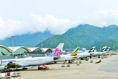 香港国际机场七月飞机起降量达三万三千二百八十五架