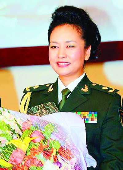 彭丽媛曾任总政歌舞团团长(资料图片)-总政歌舞团摘牌